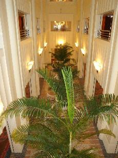 アンバサダーホテル廊下1.jpg